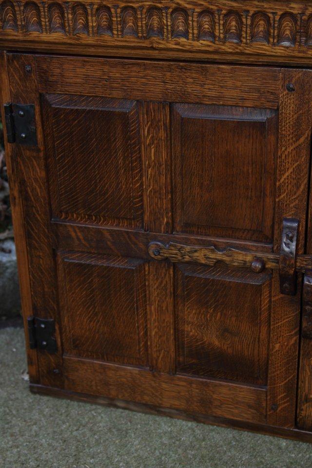 Image 25 of NIGEL GRIFFITHS OAK WALL HANGING CABINET CUPBOARD BOOKCASE