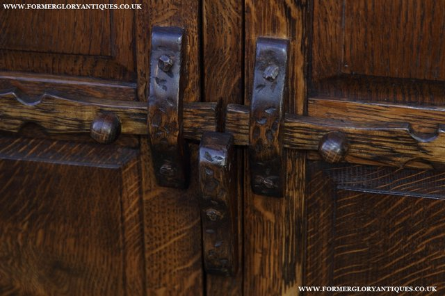 Image 27 of NIGEL GRIFFITHS OAK WALL HANGING CABINET CUPBOARD BOOKCASE