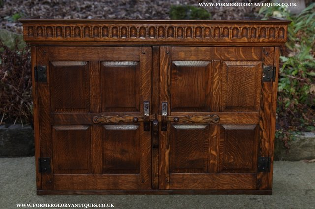 Image 29 of NIGEL GRIFFITHS OAK WALL HANGING CABINET CUPBOARD BOOKCASE