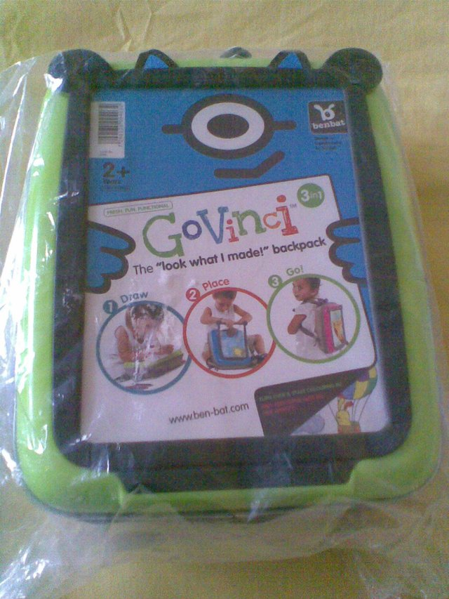 Preview of the first image of GOVINCI BACKPACK (GREEN & GREY).