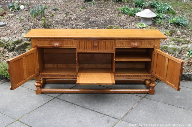 Preview of the first image of RUPERT NIGEL GRIFFITHS OAK DRESSER BASE SIDEBOARD TABLE.