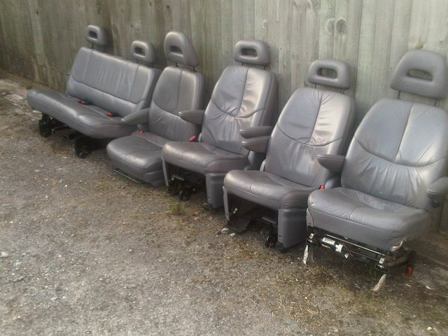 Image 3 of GENERATION 3 CHRYSLER VOYAGER 7 SEATER FULL LEATHER INTERIOR