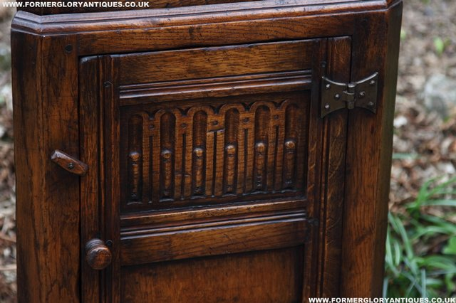 Image 12 of TITCHMARSH GOODWIN OAK DISPLAY CORNER CABINET BOOKCASE