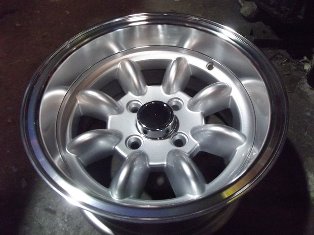 "Preview of the first image of CLASSIC MINI 7"" X 13"" DEEP DISH ALLOY WHEELS."