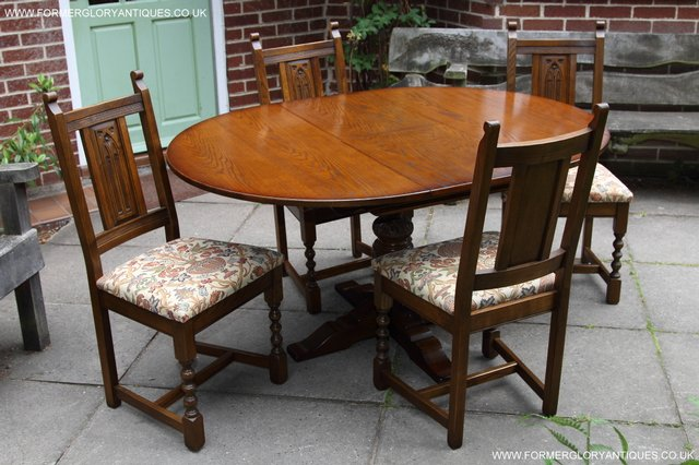 Preloved Old Charm Light Oak Round Pedestal Dining Table 4 Chairs For