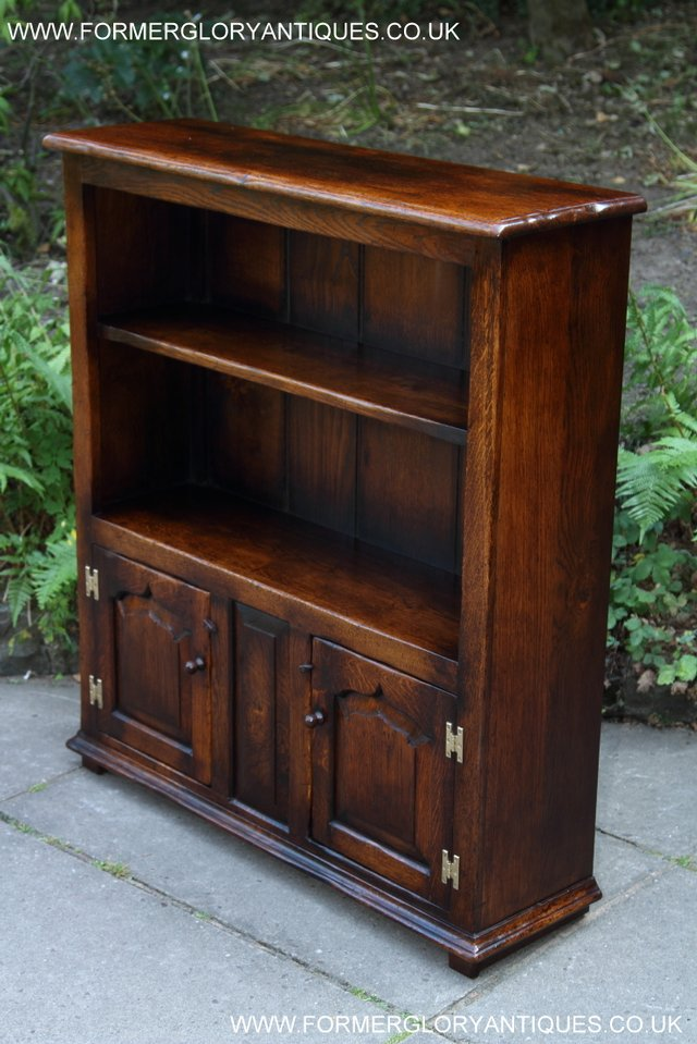 Image 7 of TITCHMARSH AND GOODWIN STYLE OAK BOOKCASE CABINET CUPBOARD