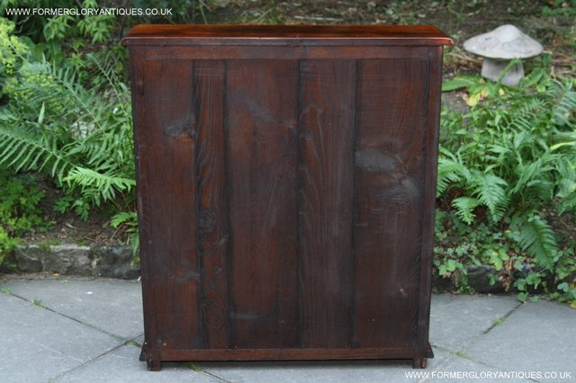 Image 10 of TITCHMARSH AND GOODWIN STYLE OAK BOOKCASE CABINET CUPBOARD