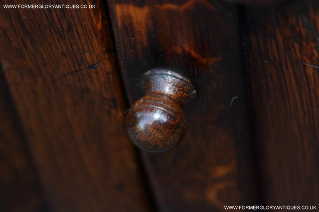Image 19 of TITCHMARSH AND GOODWIN STYLE OAK BOOKCASE CABINET CUPBOARD