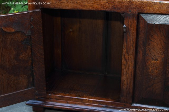 Image 21 of TITCHMARSH AND GOODWIN STYLE OAK BOOKCASE CABINET CUPBOARD