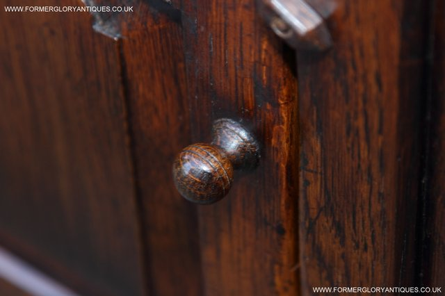 Image 25 of TITCHMARSH AND GOODWIN STYLE OAK BOOKCASE CABINET CUPBOARD