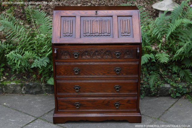 Preview of the first image of OLD CHARM OAK WRITING TABLE BUREAU COMPUTER OFFICE DESK.
