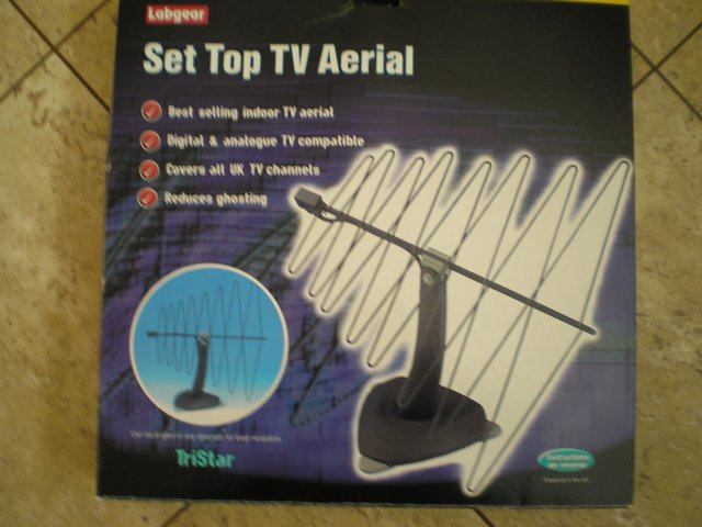 Preview of the first image of LABGEAR SET TOP TV AERIAL.