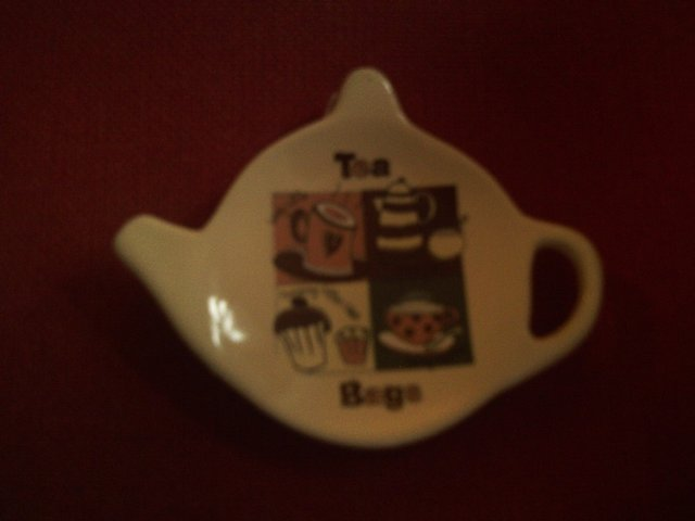 Preview of the first image of RETRO TEA BAG HOLDER.