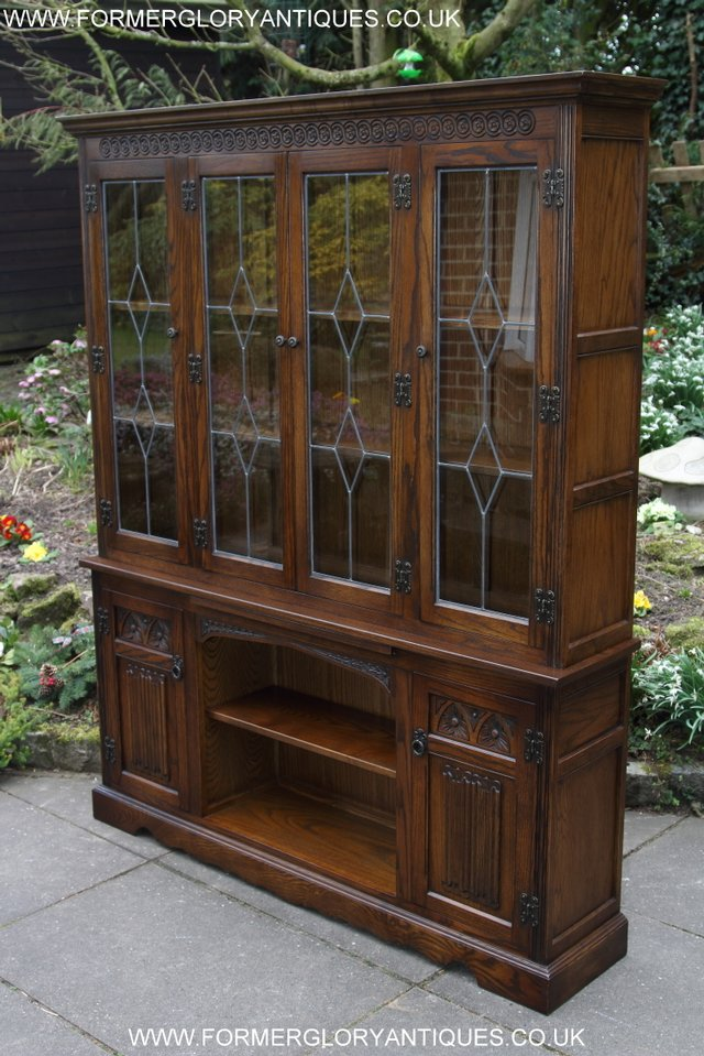 Preview of the first image of OLD CHARM LIGHT OAK BOOKCASE DISPLAY DVD CABINET SIDEBOARD.