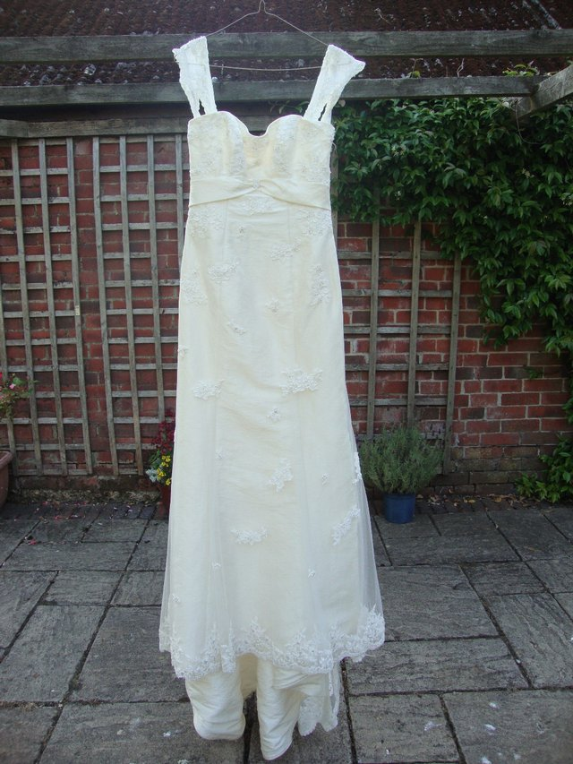 Image 3 of Essense Shadow D586 Wedding Dress