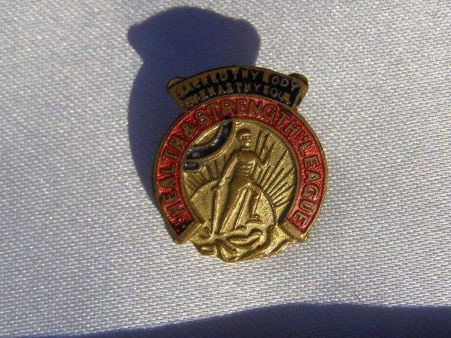 Health & Strength League badge pin (incl P&P)