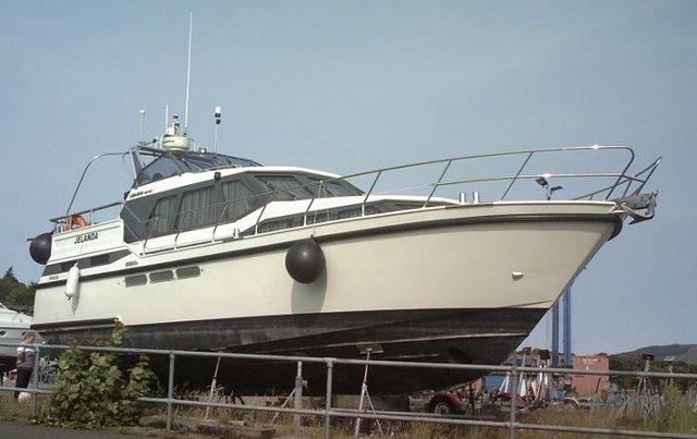 Image 2 of 12.5m offshore / live aboard twin screw cruiser