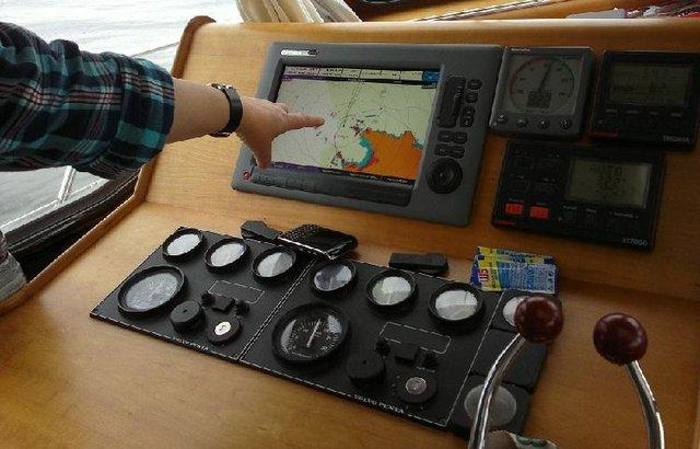 Image 3 of 12.5m offshore / live aboard twin screw cruiser