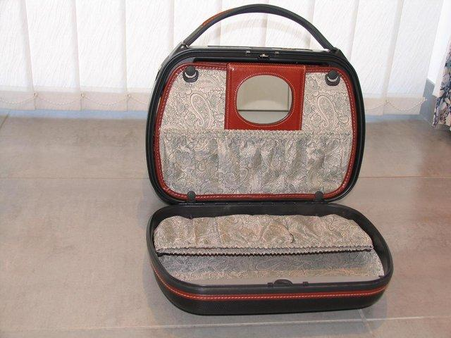 Image 3 of Samsonite Handy Beauty Case