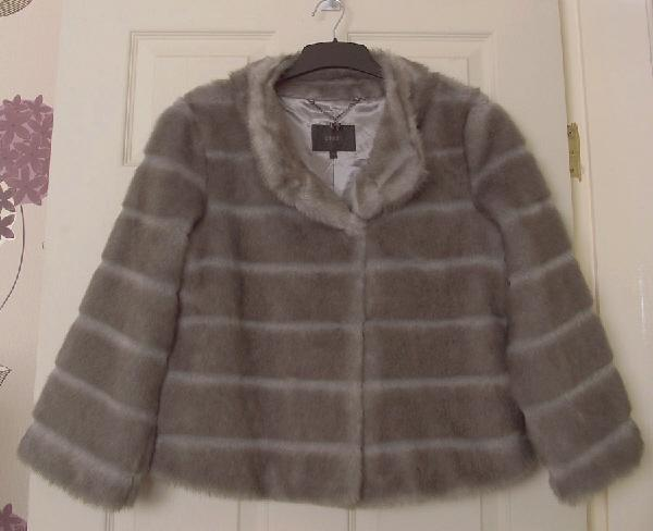 2c3f372a251 ... faux fur jacket by coast size 10 the colour is grey with a brown hue  fully lined with a small inside pocket   hook   eye fastening cost nearly  £60 new ...