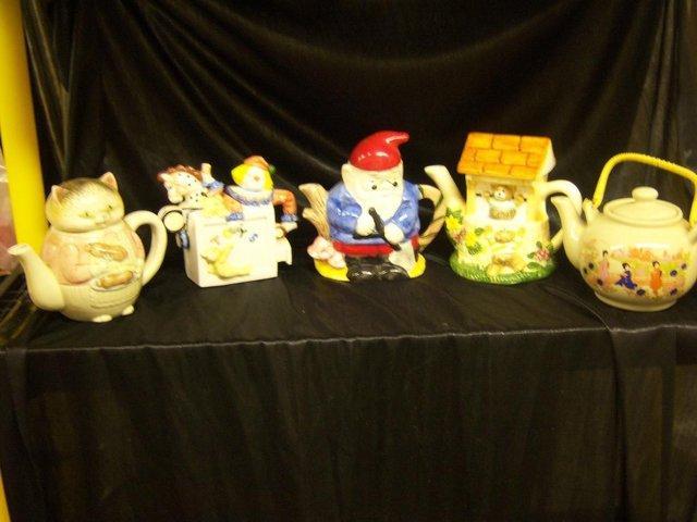 Image 3 of Tea Pots
