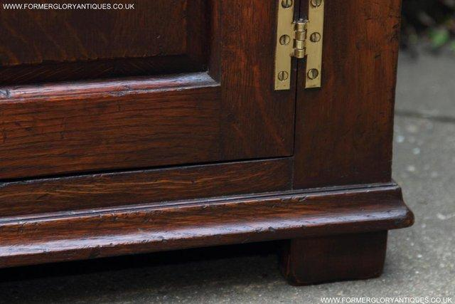 Image 25 of TITCHMARSH AND GOODWIN OAK DRESSER BASE SIDEBOARD HALL TABLE
