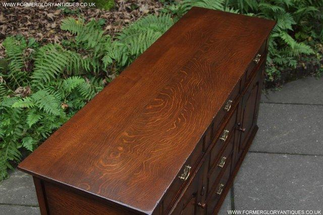 Image 61 of TITCHMARSH AND GOODWIN OAK DRESSER BASE SIDEBOARD HALL TABLE