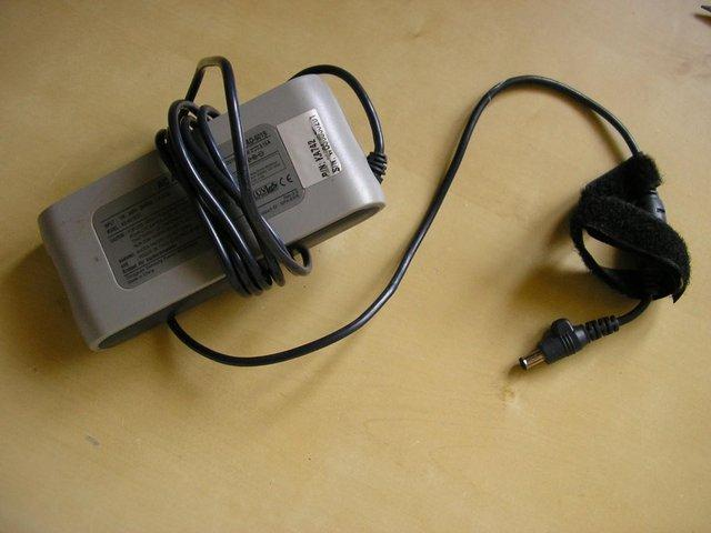 Preview of the first image of Samsung GT9000 Laptop Charger.