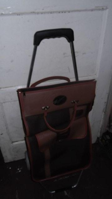 Image 2 of SHOPPING TROLLEY unused .
