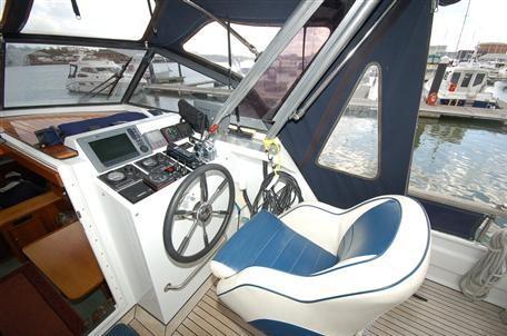 Image 2 of 12m Linssen International cruising live-aboard