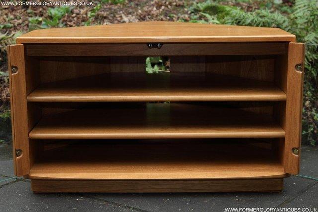 Image 6 of ERCOL WINDSOR LIGHT ELM CORNER TV CABINET STAND TABLE UNIT