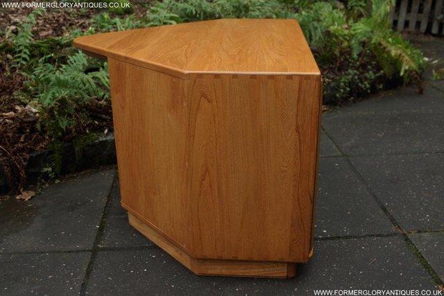 Image 7 of ERCOL WINDSOR LIGHT ELM CORNER TV CABINET STAND TABLE UNIT