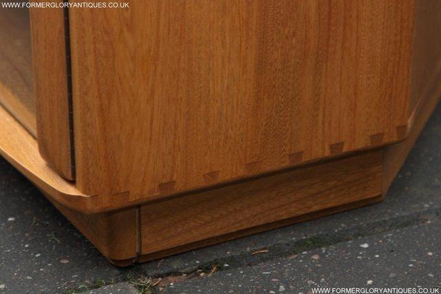 Image 34 of ERCOL WINDSOR LIGHT ELM CORNER TV CABINET STAND TABLE UNIT
