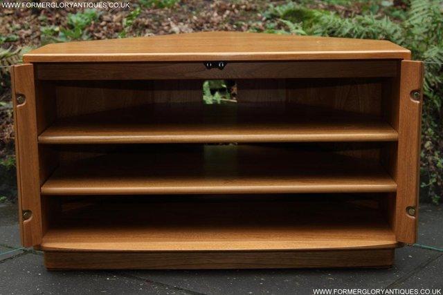 Image 37 of ERCOL WINDSOR LIGHT ELM CORNER TV CABINET STAND TABLE UNIT