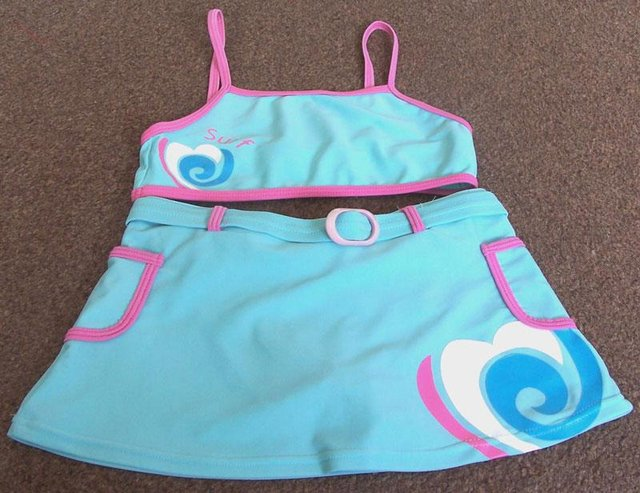 f2fcaf78ed22f PRETTY GIRLS 2 PIECE SWIMSUIT - AGE 8/9 YRS For Sale in Failsworth,  Manchester | Preloved