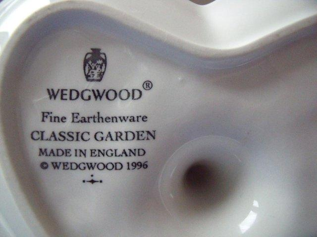 Image 3 of Wedgwood Classic Garden white heart shape ring holder/dish.