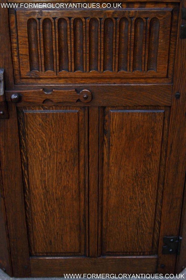 Image 7 of NIGEL RUPERT GRIFFITHS OAK CORNER CABINET CUPBOARD SHELVES