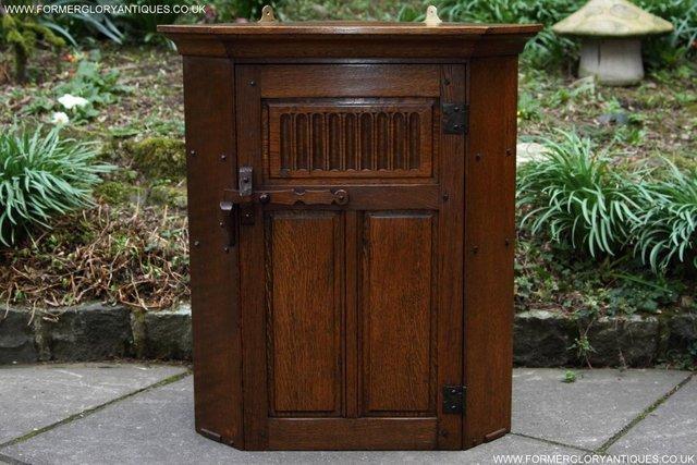 Image 10 of NIGEL RUPERT GRIFFITHS OAK CORNER CABINET CUPBOARD SHELVES