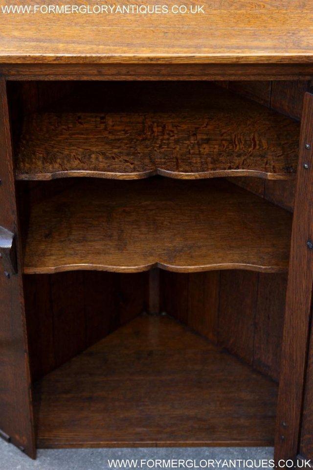 Image 19 of NIGEL RUPERT GRIFFITHS OAK CORNER CABINET CUPBOARD SHELVES