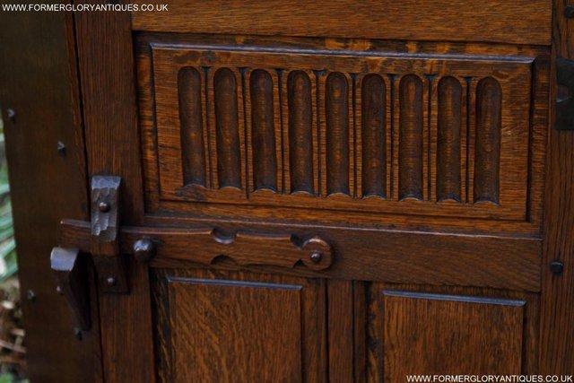 Image 28 of NIGEL RUPERT GRIFFITHS OAK CORNER CABINET CUPBOARD SHELVES