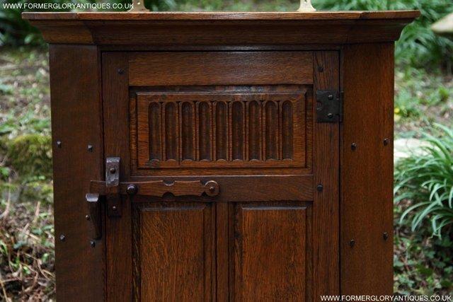 Image 40 of NIGEL RUPERT GRIFFITHS OAK CORNER CABINET CUPBOARD SHELVES
