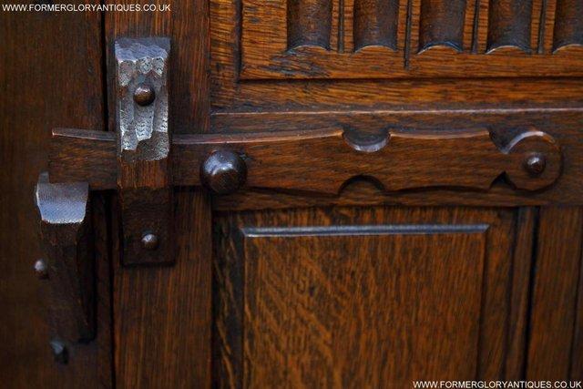 Image 41 of NIGEL RUPERT GRIFFITHS OAK CORNER CABINET CUPBOARD SHELVES