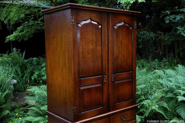 Image 43 of TITCHMARSH GOODWIN ROYAL OAK WARDROBE CHEST OF DRAWERS STAND