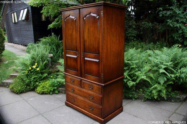 Image 91 of TITCHMARSH GOODWIN ROYAL OAK WARDROBE CHEST OF DRAWERS STAND
