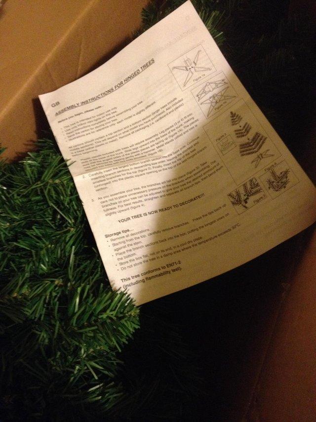 Quality Artificial Christmas Tree with xmas deckorations ...