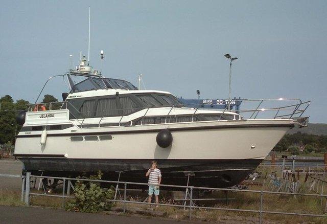 Image 2 of Luxury Live-aboard 40ft. 2 ensuite plus 4 more berths