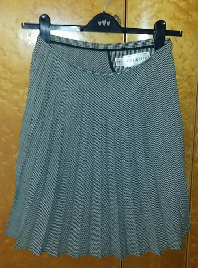 Austin Reed Pure New Wool Dog Tooth Pleated Skirt Sz 12 M For Sale In Huntingdon Cambridgeshire Preloved