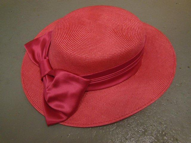Vintage ladies hats for sale For Sale in Radlett d5de6af5a40