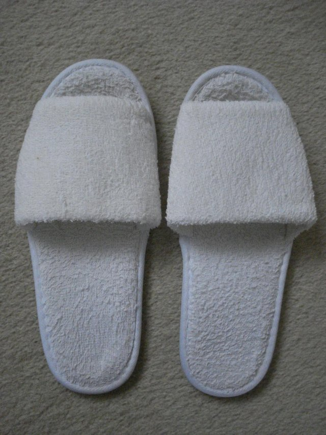 Image 3 of NEW MENS/UNISEX TOWELLING FLAT SLIPPERS/MULES FOR TRAVEL/SPA