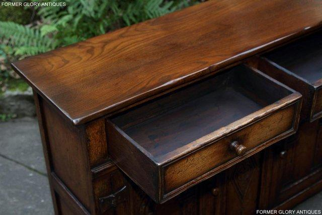 Image 57 of A TITCHMARSH & GOODWIN OAK DRESSER BASE SIDEBOARD HALL TABLE